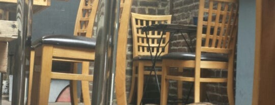 CC's Cafe 2 is one of สถานที่ที่ BaxterTheBoss ถูกใจ.
