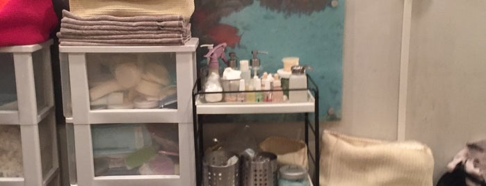Galleria Nail Salon is one of สถานที่ที่บันทึกไว้ของ KaHee.