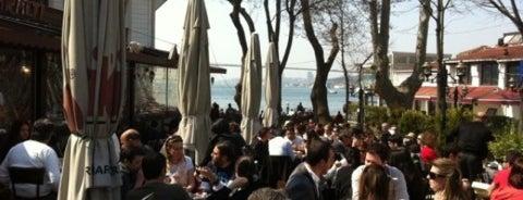 İskele Çınaraltı Aile Çay Bahçesi is one of Posti salvati di Şebnem.
