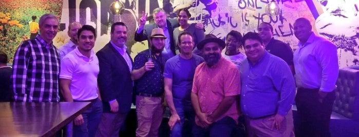 Copper Blues Rock Pub & Kitchen is one of Posti che sono piaciuti a Neal.