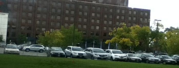New York Medical College is one of Asli 님이 좋아한 장소.