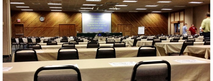 Ruttger's Bay Conference Room 1 is one of Orte, die Dan gefallen.