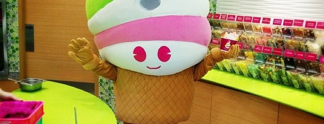 Menchie's is one of Yuryさんのお気に入りスポット.