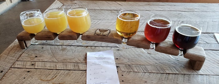 Commonwealth Brewing Company is one of Date Spots.