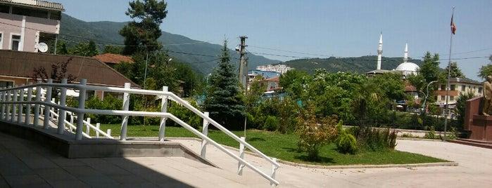 Cilimli Kaymakamlığı is one of สถานที่ที่บันทึกไว้ของ Özgür Yaşar.