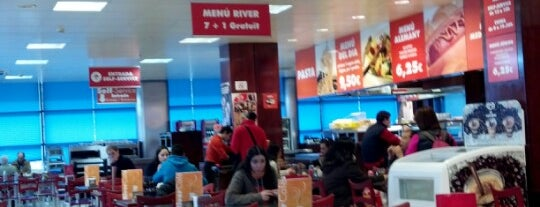 River Centre Comercial is one of Lugares favoritos de Marco.