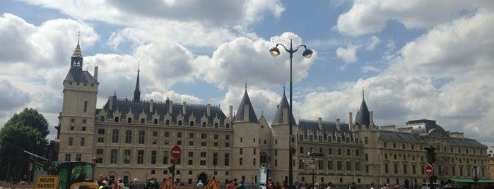 La Conciergerie is one of Quatre jours à Paris.