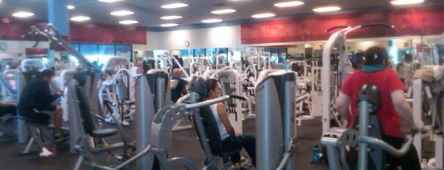 24 Hour Fitness is one of Posti che sono piaciuti a T2TheLee.