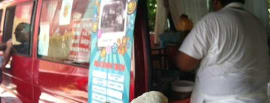 "Tacos ""La Amiguita"" is one of Food Trucks Cancun."