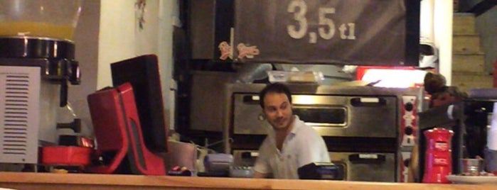 Pizza Bar is one of Lugares favoritos de Kerem.