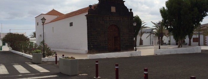 Casillas Del Ángel is one of Fuerteventura.