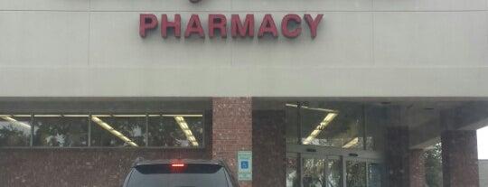 Walgreens is one of Lugares favoritos de Bill.