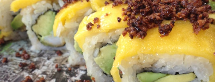 Sushi Roll is one of Lugares favoritos de Paco.