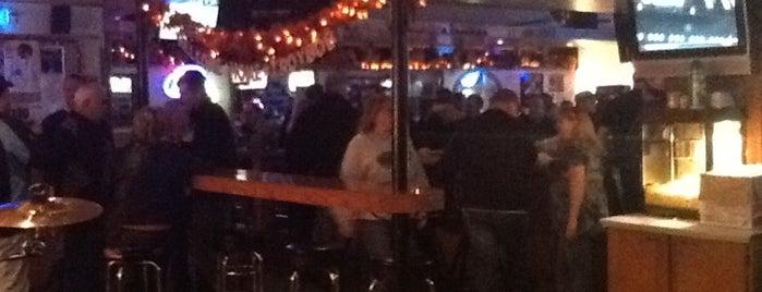 Powerhouse Bar is one of Lieux qui ont plu à Ryan.