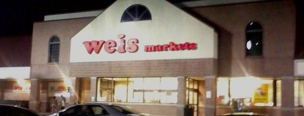 Weis Markets is one of Orte, die Chrissy gefallen.