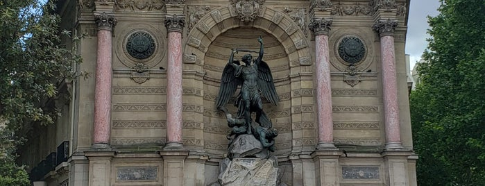 Fontana di Saint-Michel is one of Paulo&Ju@Paris2019.