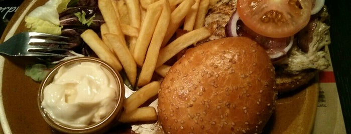 Foster's Hollywood Baricentro is one of A comer y a beber.