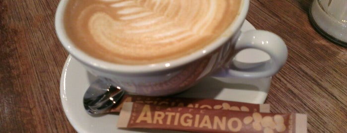 Caffè Artigiano is one of สถานที่ที่บันทึกไว้ของ Eric.