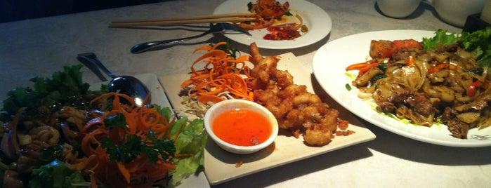Silk Thai Restaurant is one of I'nın Kaydettiği Mekanlar.