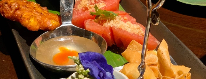 Jim Thompson Bar & Restaurant is one of Posti che sono piaciuti a Huang.