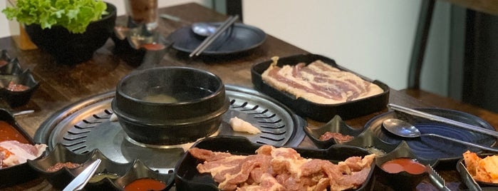 SEOUL's COAL 서울 숮불 고기, 코리안 바베큐 is one of สถานที่ที่ Huang ถูกใจ.