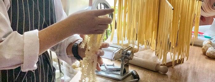 Namnam Pasta I Tapas is one of Locais curtidos por Huang.