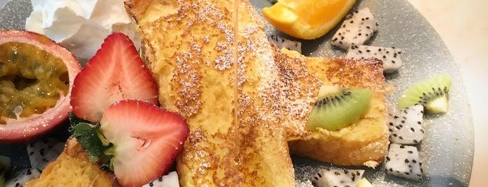 Peef juice bar & fruit café is one of Posti che sono piaciuti a Huang.