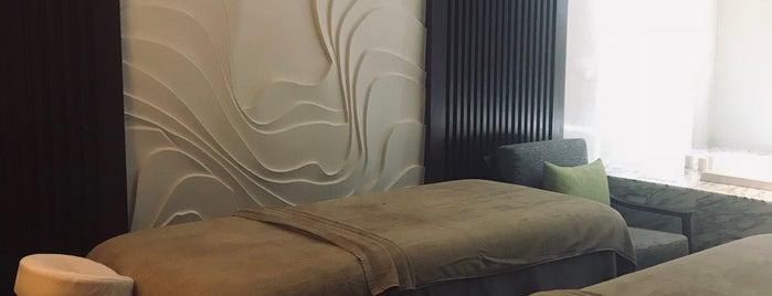 Renaissance Pattaya Resort & Spa is one of Huang'ın Beğendiği Mekanlar.