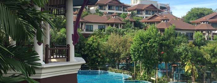 InterContinental Pattaya Resort is one of Tempat yang Disukai Huang.