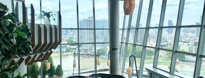 Starbucks Reserve Chao Phraya RiverFront is one of Tempat yang Disukai Huang.