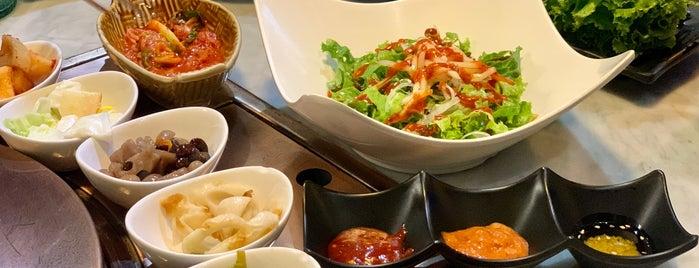 Sura (수라) is one of Locais curtidos por Huang.