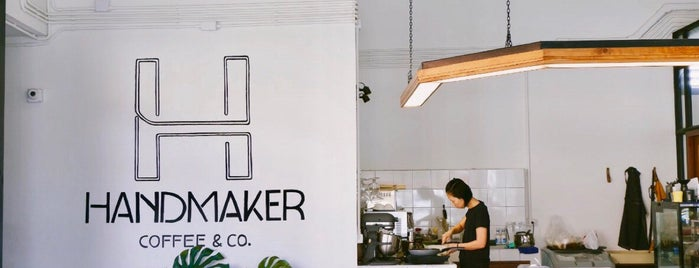 Handmaker Coffee & Co. is one of Lieux qui ont plu à Huang.