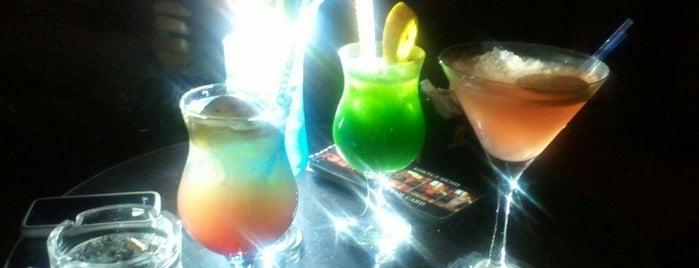 Коктел Бар | Cocktail Bar is one of Lieux sauvegardés par Sevda.