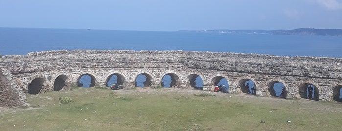 Rumeli Feneri Kalesi is one of Uğur'un Beğendiği Mekanlar.