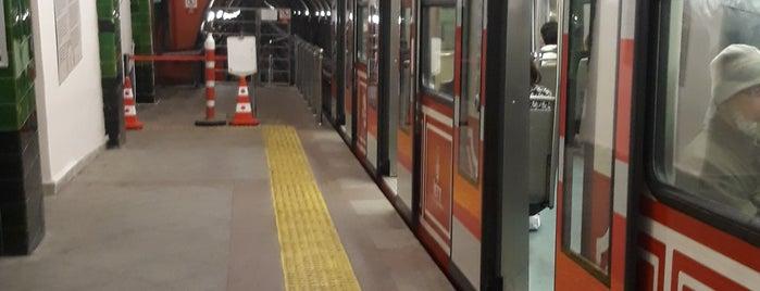 Taksim - Tünel Nostaljik Tramvayı (T2) is one of Uğur'un Beğendiği Mekanlar.