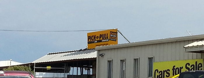 Pick N Pull is one of Orte, die Devin gefallen.