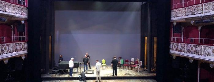 Teatro de la Comedia is one of Lugares favoritos de Mym.