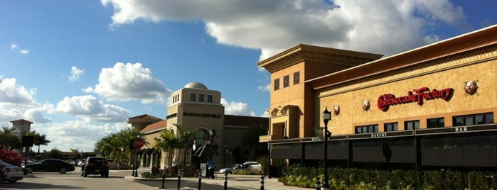 The Shops at Pembroke Gardens is one of Tempat yang Disukai David.
