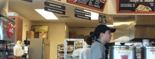 Kneaders Bakery & Cafe is one of Lieux qui ont plu à Kathryn.
