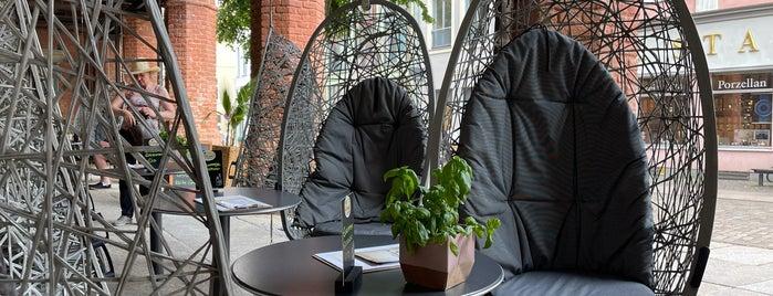 Café Hühnergott is one of Stralsund🇩🇪.