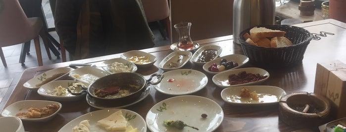 Van Kahvaltı Sarayı & Cafe - Resto is one of Orte, die Hilal gefallen.