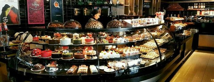 Case Cake Premium is one of Posti che sono piaciuti a Zeynep.