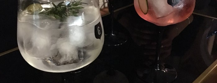Gin Lovers Principe Real is one of Lisboa Warm.