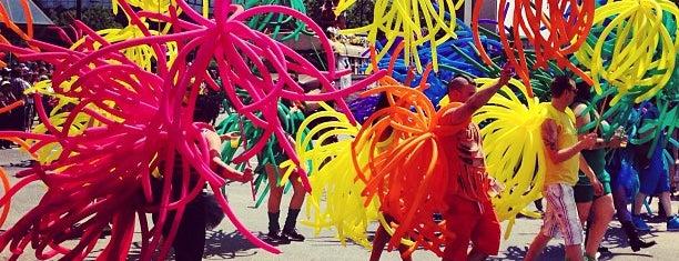 Twin Cities Pride Parade 2013 is one of Darien 님이 좋아한 장소.