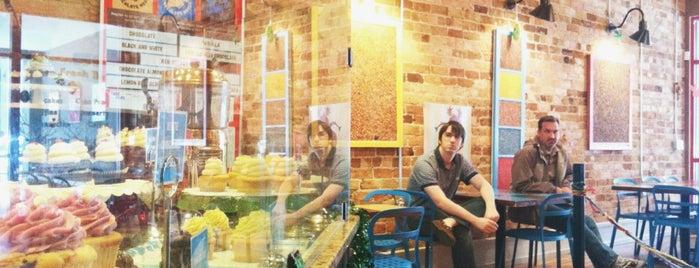 The Chocolate Moose Bakery & Cafe is one of Posti salvati di Debbie.