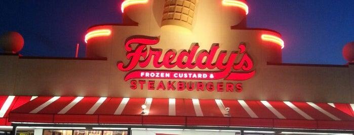 Freddy's Frozen Custard & Steakburgers is one of Lugares favoritos de Joe.
