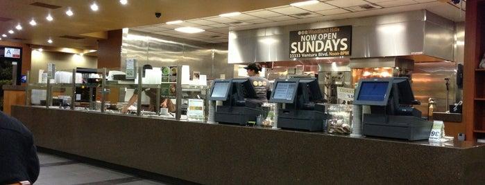 California Chicken Cafe is one of Locais curtidos por Adam.