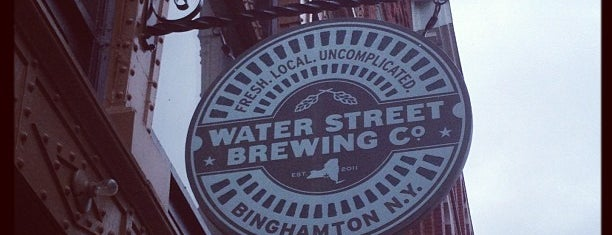 Water Street Brewing Co. is one of Marissa 님이 저장한 장소.