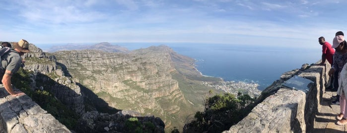Table Mountain Aerial Cableway is one of Posti che sono piaciuti a Helen.