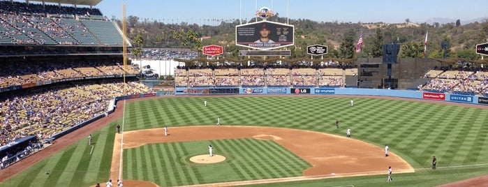 Stadium Club at Dodger Stadium is one of Tempat yang Disukai AmberChella.